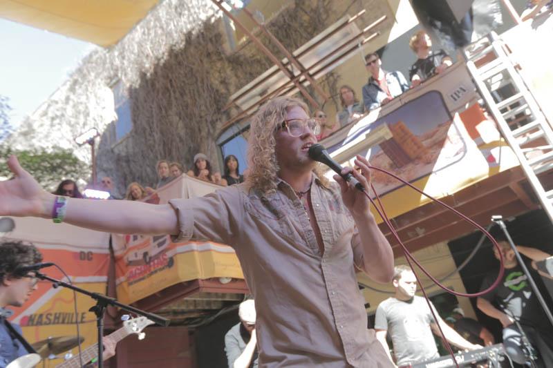 2014 Allen Stone singing