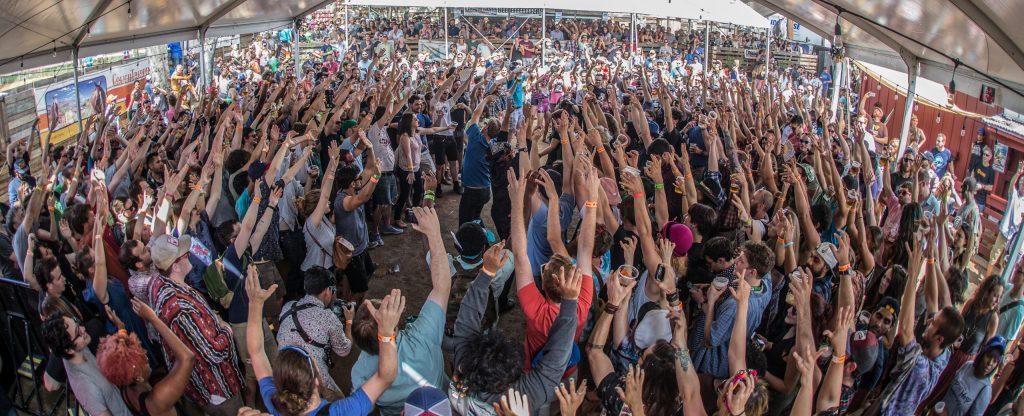 Dan Deacon - all people hands up